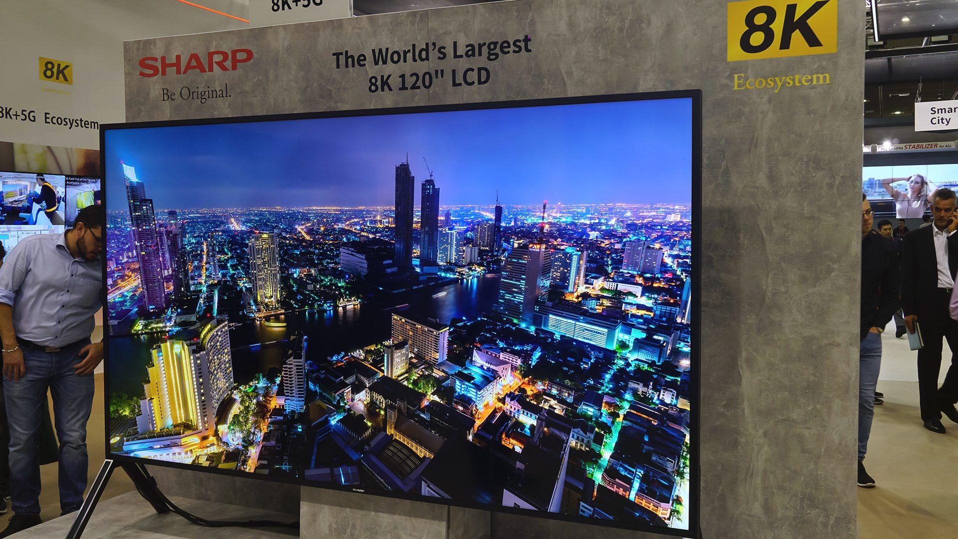 8K LCD-TV von Sharp